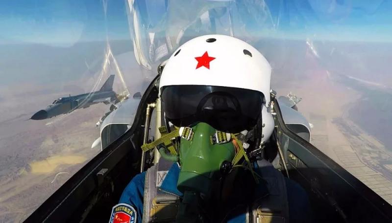 只招男生!空军2020年度河南招飞简章发布,两类学生可以报名