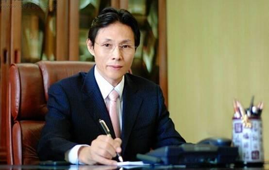书法家谢小青简历_融众集团董事长谢小青否认东星签名伪造的